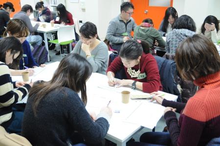 学生座談会(2015年の様子)